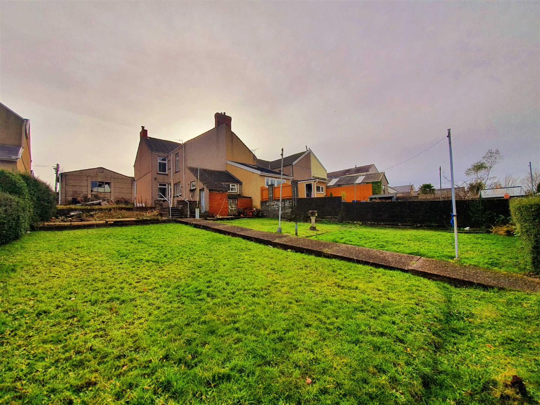 Glebe Road, Loughor, Swansea, SA4 6QS
